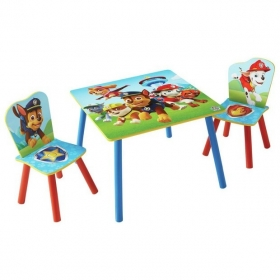 Minnie Mouse table with 2 chairs